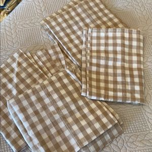 4 valances beige and white gingham